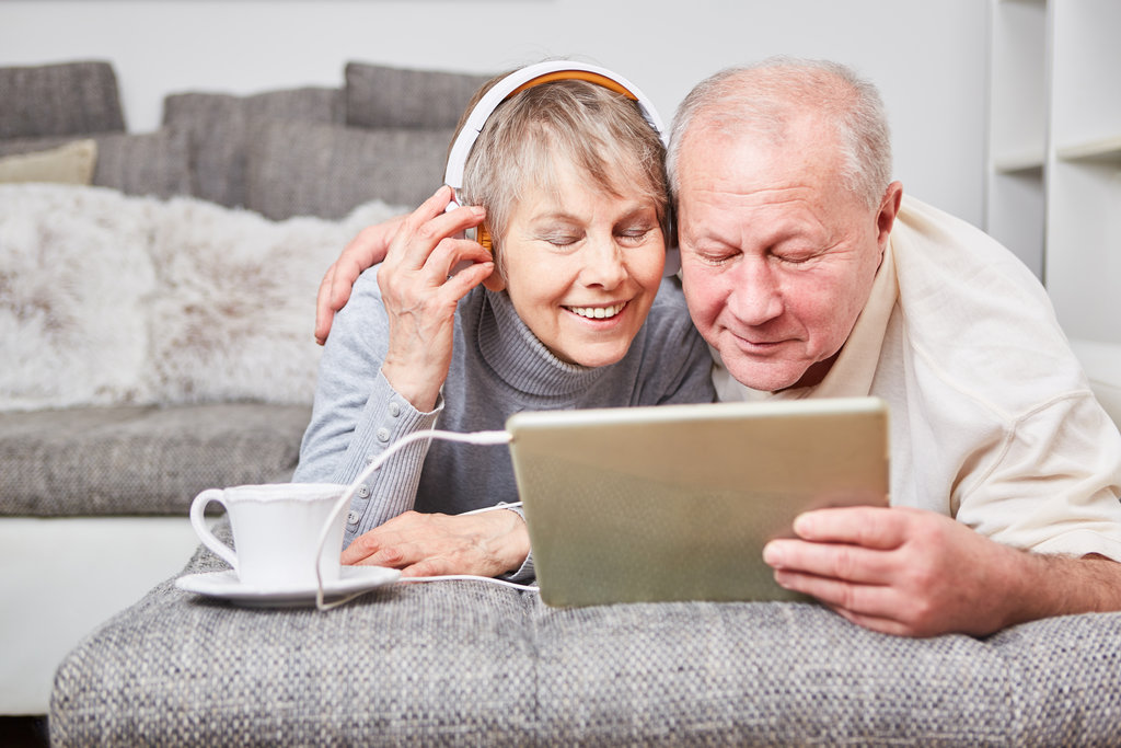 Couple listening to an audio book