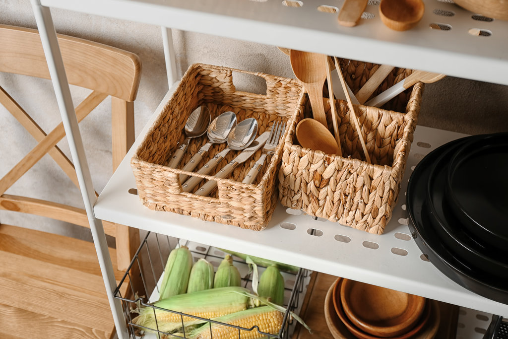 Maximise cupboard space