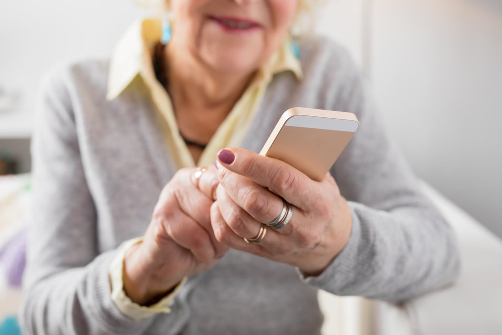 Mobile phone accessories for older people